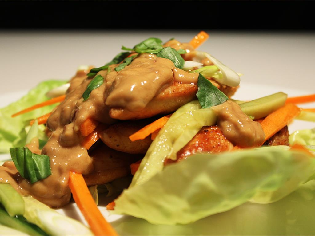 Chicken Wraps with Peanut Sauce