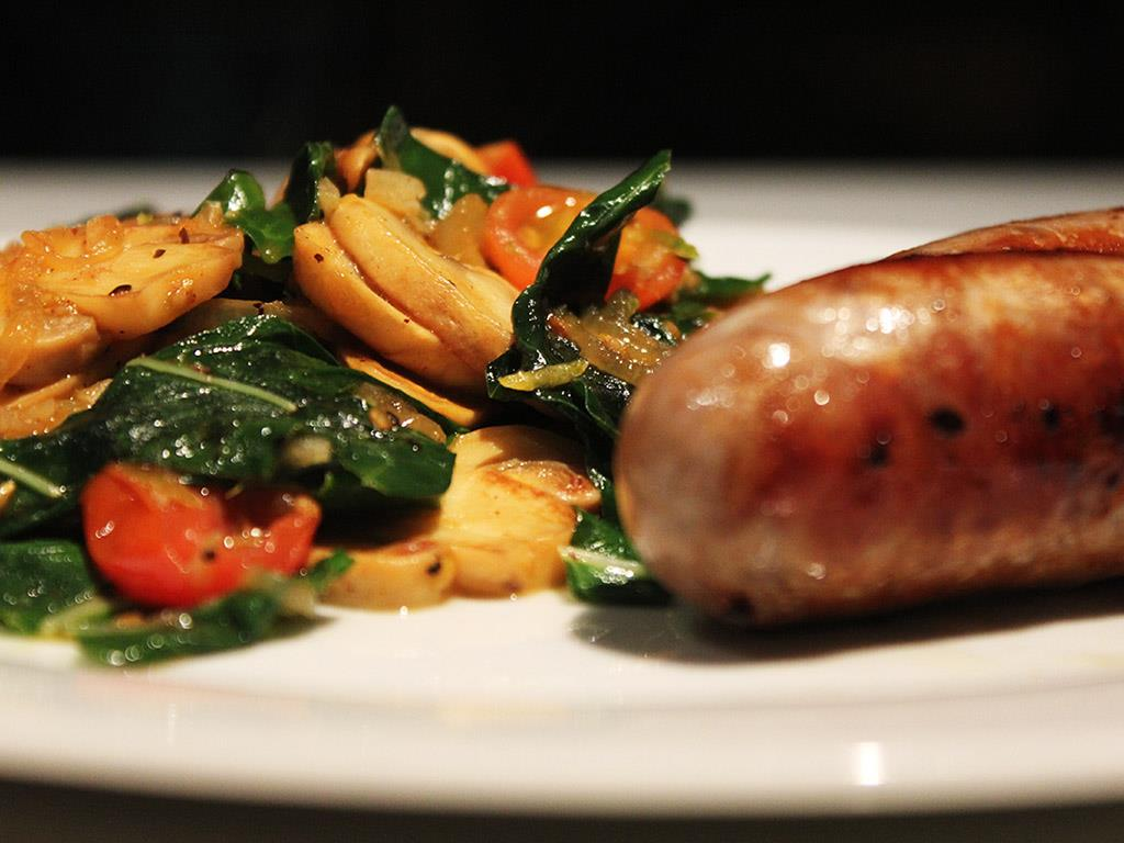 DNUSolo: Pork Bangers with Spinach & Mushroom