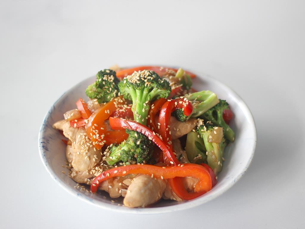 Chicken Stir Fry with Ginger & Sesame Seeds