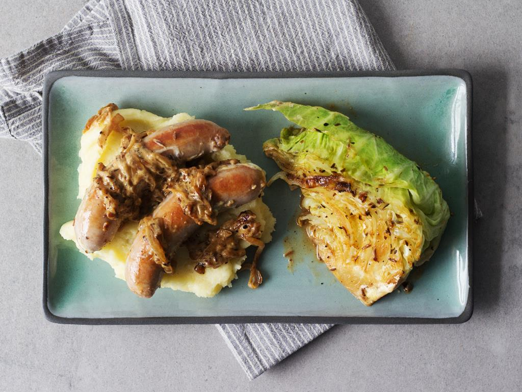 Solo: Braised Sausages on Mashed Potato & Cabbage