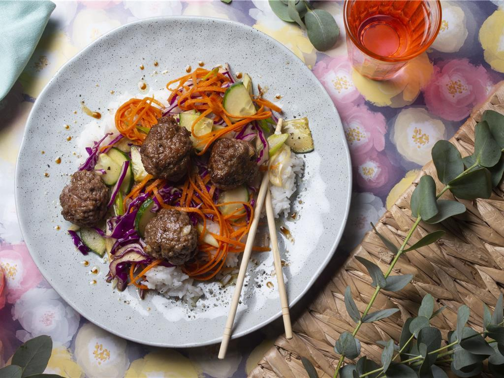 Spiced Meatballs with Fluffy Rice