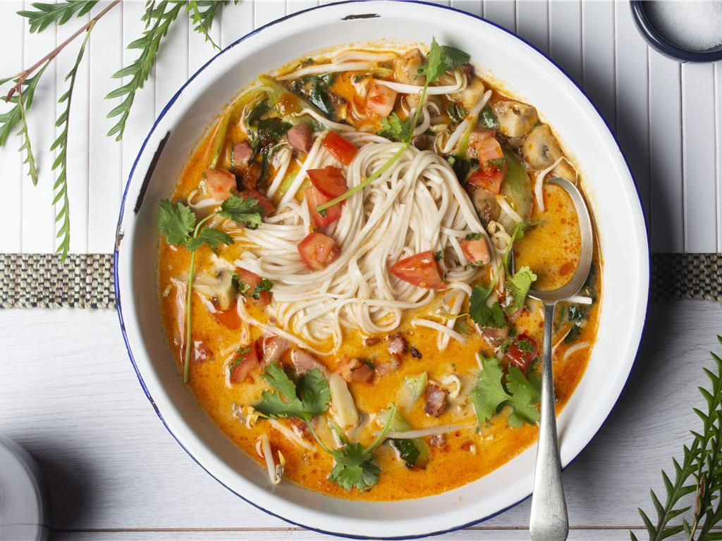 Solo: Spicy Pork Tom Yum Noodles