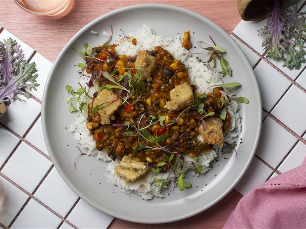 Lentil Con Carne and Crumbled Cheese