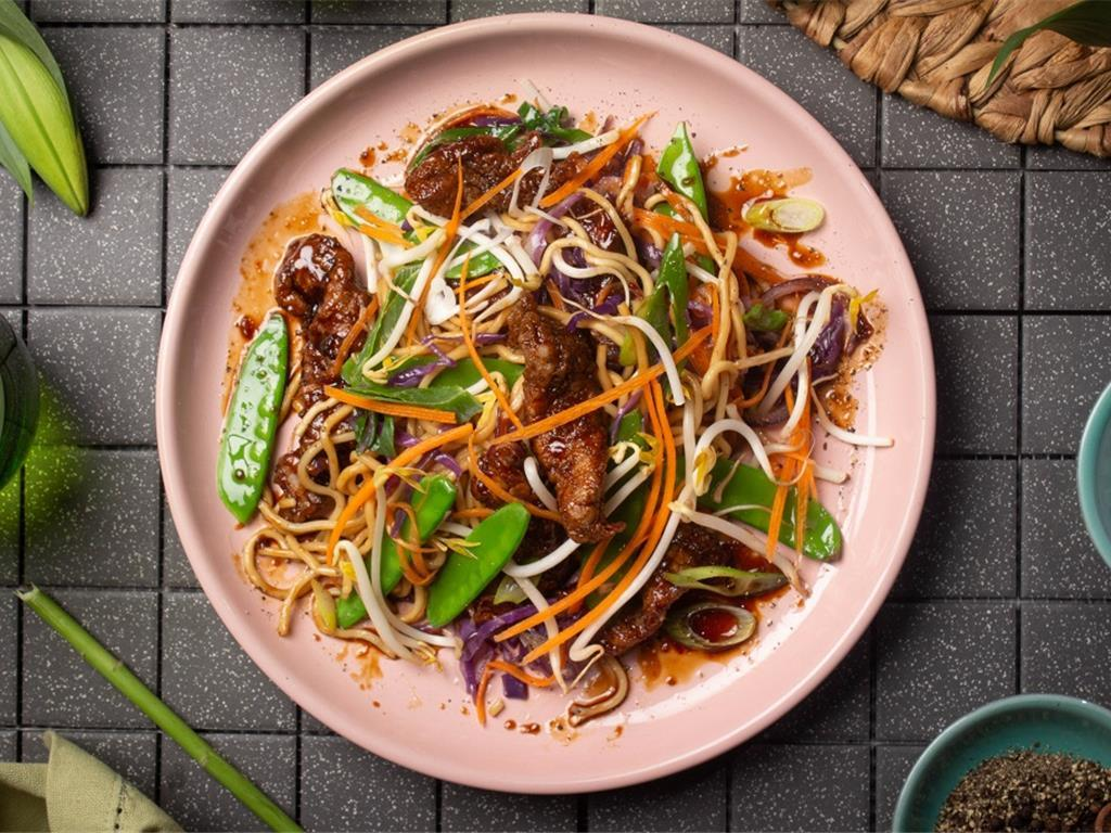 Sticky Sweet Chilli Beef Noodles